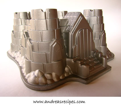 Bundt Castle cake pan