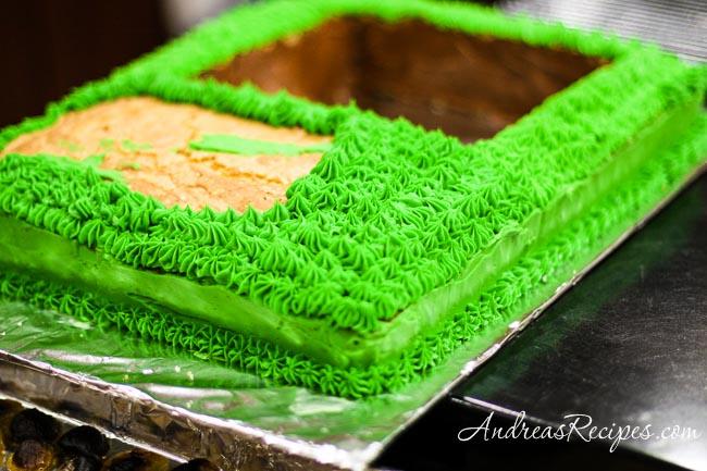 Andrea Meyers - Agent P birthday cake base