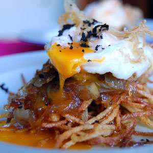 Spanish Recipes - Classic Fried Eggs with Chipe and Foie and Truffle