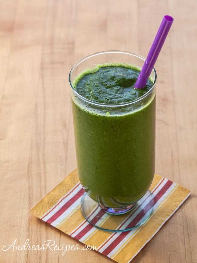Kale, Spinach, and Pear Smoothie - Andrea Meyers
