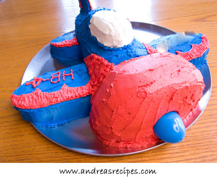 Airplane birthday cake, front