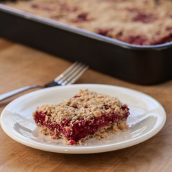 From the Pantry: Truvia Baking Blend (Raspberry Oatmeal Crumble Bars)