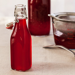 How to Make Cranberry Liqueur
