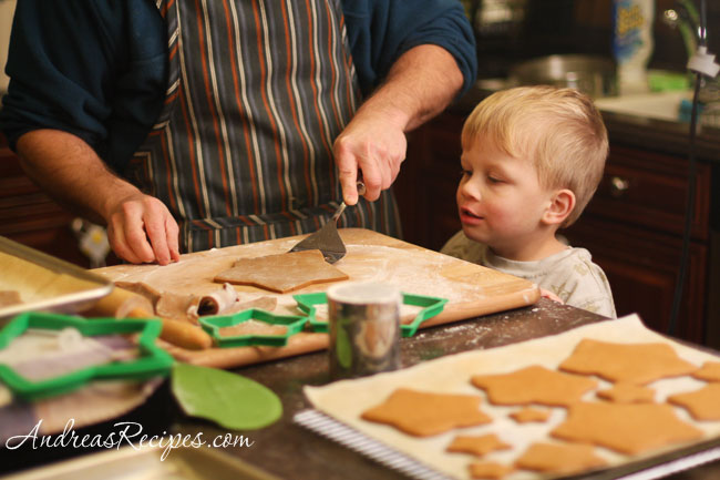 Andrea Meyers - cutting gingerbread