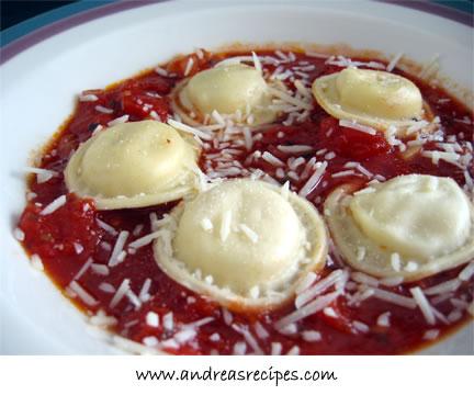 Marinara Sauce with Ravioli