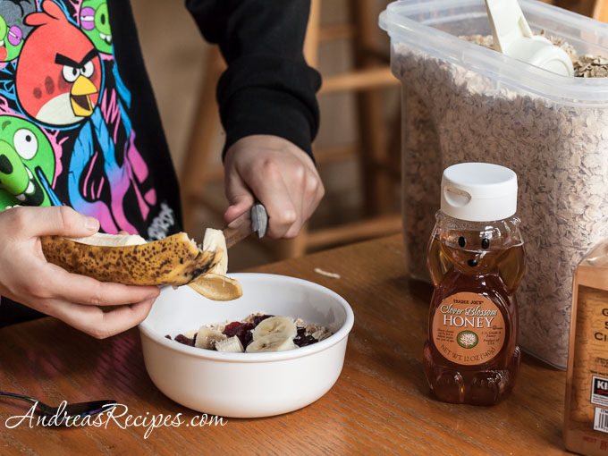 Breakfast Oatmeal Recipe with Peanut Butter, Bananas, and ...