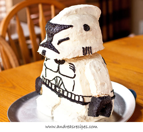 Andrea Meyers - Lego Star Wars Stormtrooper Birthday Cake