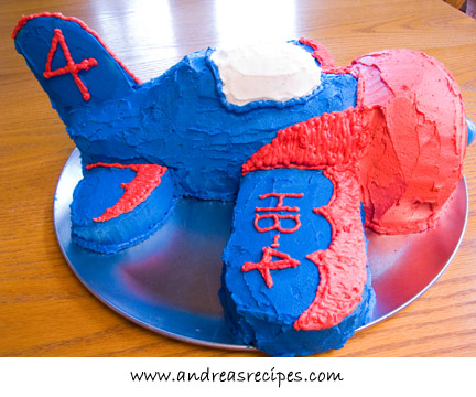 Airplane birthday cake, side