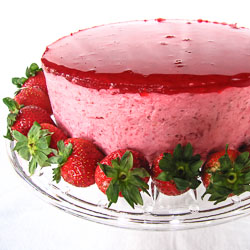 The Daring Bakers Make Strawberry Mirror Cake