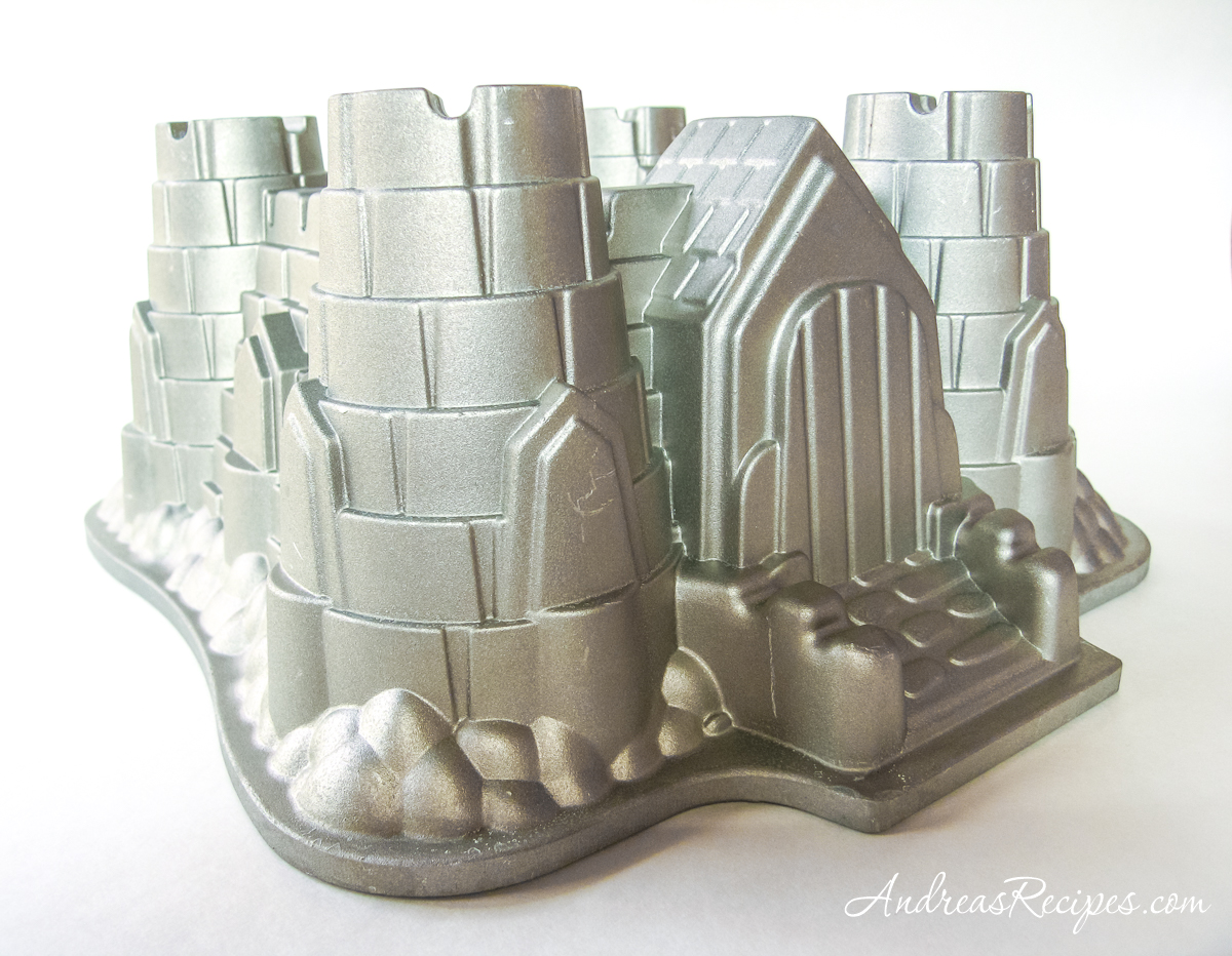 Bundt castle cake pan - Andrea Meyers