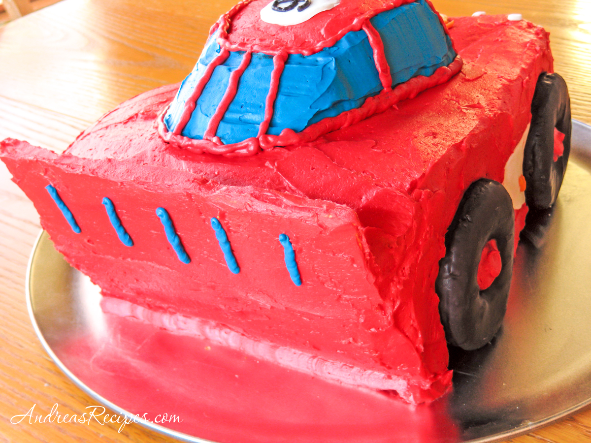 Lightning McQueen Birthday Cake, right rear view - Andrea Meyers
