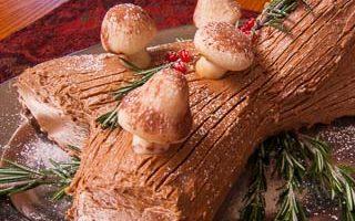 The Daring Bakers Make Buche de Noel (Yule Log Cake)
