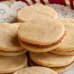 Alfajores Recipe (Dulce de Leche Sandwich Cookies) - Andrea Meyers