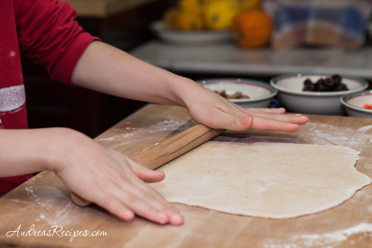 Pizza dough shaping - Andrea Meyers