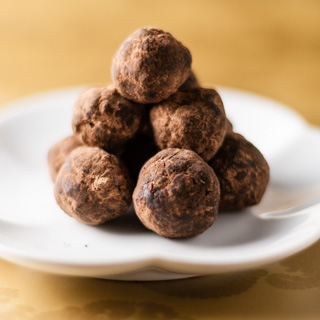 Bourbon Balls – 12 Days of Cookies